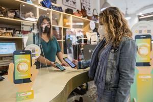El Ayuntamiento de Viladecans amplia el uso de los bonos 'Bons Vilawatt', incentivando el consumo en comercios locales
