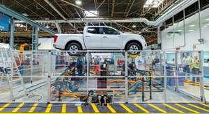 CCOO intensifica la presión para evitar el cierre de las plantas de Nissan de la Zona Franca y Montcada