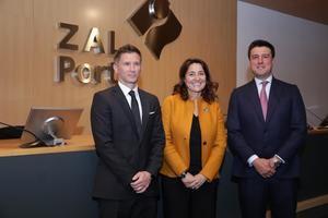 La presidenta de CILSA y el Port de Barcelona, Mercè Conesa -en el centro-, durante la presentación de resultados de la sociedad.