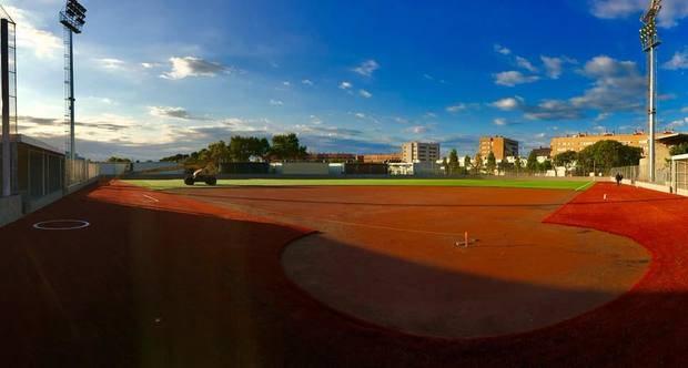 El CB Viladecans estrena el renovado campo de softbol
