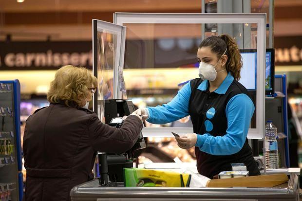 Los supermercados de Caprabo recogen 94.000 euros de sus clientes para el Banc dels Aliments