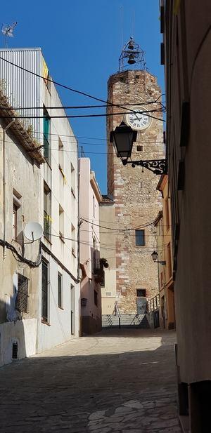 Calle de l'Església y Torre del Rellotge, lugares donde se van a llevar a cabo las intervenciones.