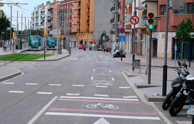 Sant Joan Despí combat la Covid-19 amb un gran espai per a bicis a la principal arteria de la ciutat