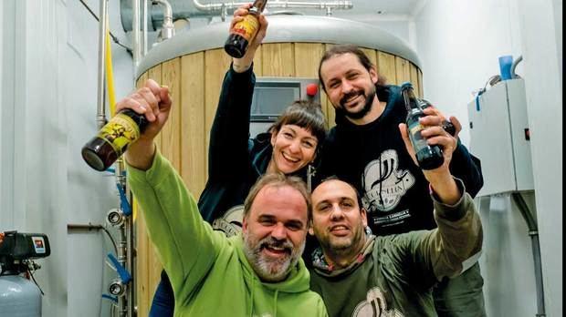 David Garcia, Juda Lipcovich, Oriol Guitart y Sergi Tomico, los cuatro socios creadores de la cerveza artesana Cornelia