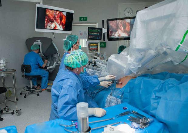 El Hospital de Bellvitge logra extirpar un cáncer de próstata sin necesidad de ingresar al paciente