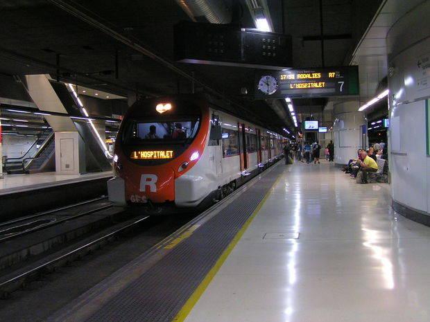 Una avería en el Centro de Tráfico Centralizado genera el caos en la red ferroviaria de Barcelona