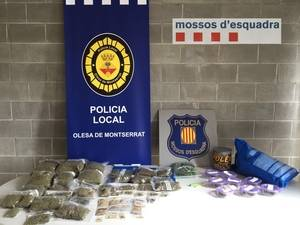 Mossos d�Esquadra detenen els responsables d�una entitat cann�bica d�Olesa de Montserrat per presumpte tr�fic de drogues