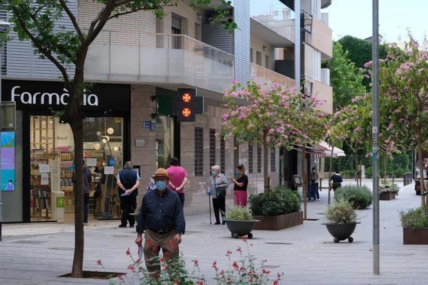 Cornellà regalará 30 euros a cada vecino que gaste 70 euros en los pequeños comercios de la ciudad