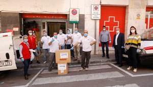 Creu Roja de Viladecans recibe 4.500 kilos de productos para bebés y material de limpieza e higiene