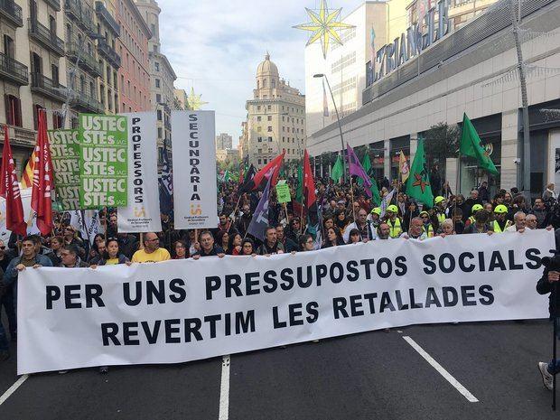 Cabeza de la manifestación de esta mañana en Barcelona.