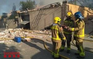 Imagen de la vivienda totalmente abajo a causa de la explosión y posterior incendio