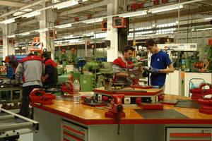 UGT pide a Industria reconsiderar la devolución de las ayudas de Seat por vehículos eficientes