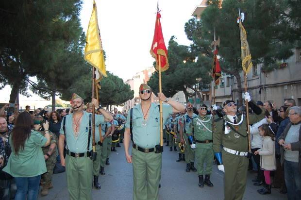 La legión vuelve a desfilar por las calles de L'Hospitalet, cada vez, con más seguidores   Eva Jiménez - BCN Content Factory