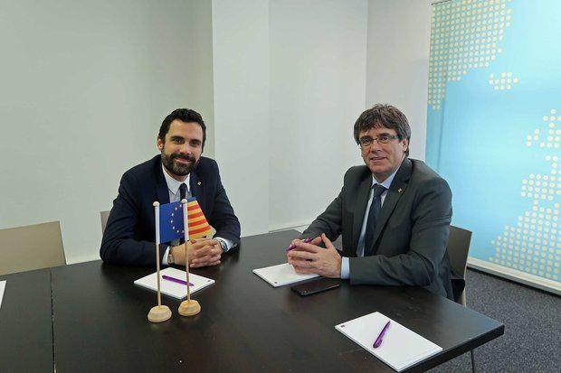 El president del Parlament, Roger Torrent, visita en Bruselas al 130 presidente de la Generalitat y candidato para la investidura, Carles Puigdemont