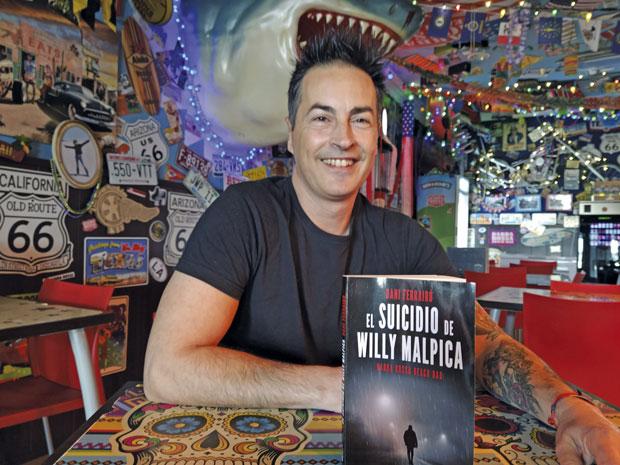 Dani Ferrairó debuta en la novela negra con una trama que huele a Castelldefels