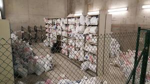 El Port de Barcelona destrueix 2,6 tones de productes de venda ambulant