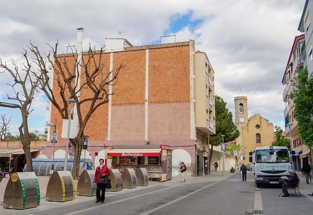 Fachada del edificio donde se pintará el mural de Jujol.