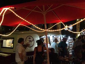 Comida urbana, música y un mercado: Vuelven las Happy Food Trucks a Sant Andreu