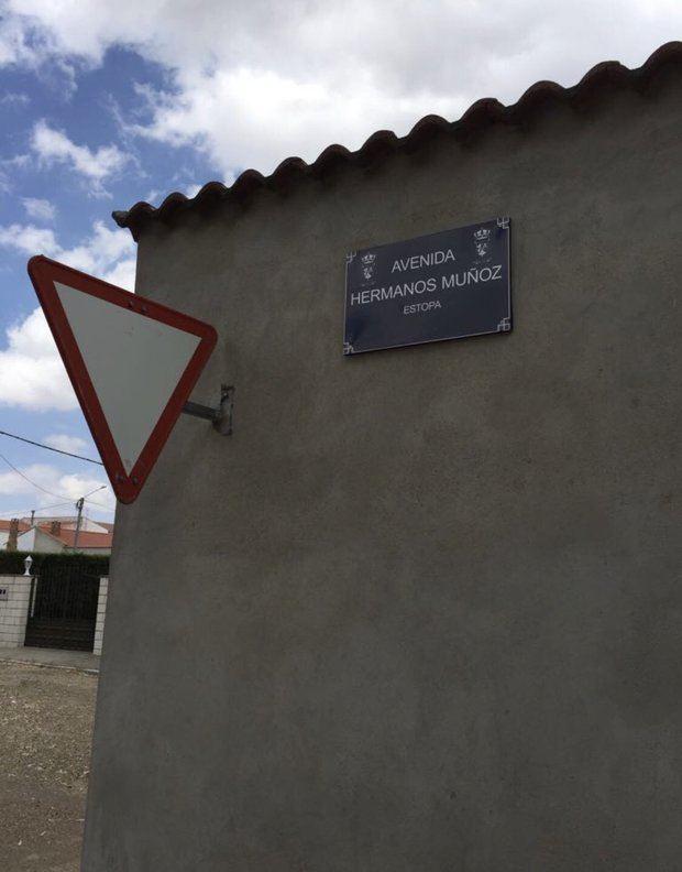 Los Estopa ya tienen una avenida en el pueblo de sus abuelos