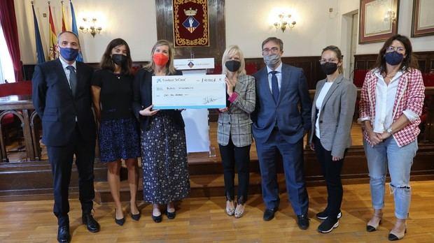 Fundación 'La Caixa' aporta 10.000 € al Centro Municipal de Alimentos de Esplugues