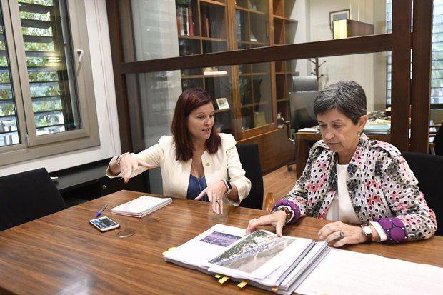 Castelldefels pide a Cunillera ensanchar el Paseo Marítimo y soterrar las vías de tren