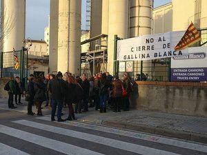 Los trabajadores de Gallina Blanca mantienen las concentraciones a las puertas de la fábrica