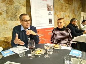 Corbacho, en un acto de Foment de la Informació Crítica de l'Hospitalet del pasado mes de febrero, cuando todavía no había anunciado que se uniría a los de Manuel Valls.