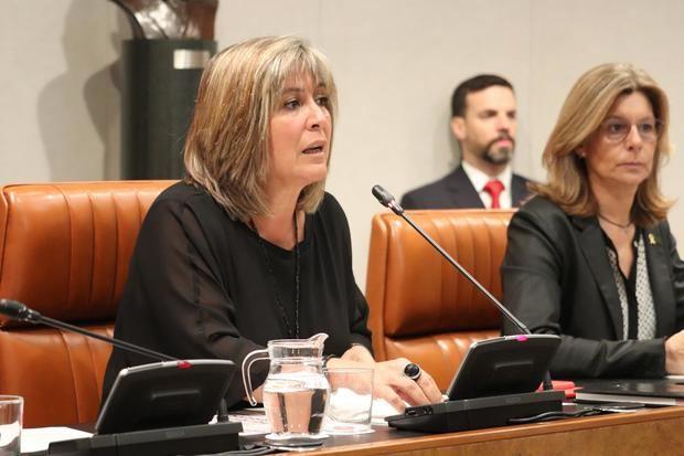 A Marín le crecen los enanos en la Diputación: hace unos días fue la propuesta para recolocar el lazo amarillo en la fachada de la institución, y ahora una moción en contra de la sentencia del 'procés'.