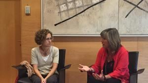 La entonces consellera d'Educació, Meritxell Ruiz, y la alcaldesa de L'Hospitalet, Núria Marín, se comprometieron en 2016 a eliminar los barracones de la Paco Candel