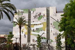 Mural que se muestra en la Plaza de la Salut de Sant Feliu.