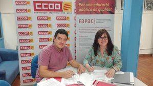 Canet  -derecha-, representante de FAPAC, y Romero, de CCOO, en la firma del convenio.