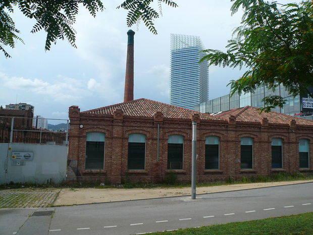 La fábrica, ubicada cerca de la Plaza Europa, es considerada Bien Cultural de Interés Local