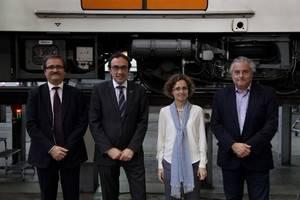 D'esquerra a dreta, el director general d'FP inicial i ensenyament de règim especial, Melcior Arcarons, el consellers Rull i Ruiz, i el president d'FGC, Enric Ticó.
