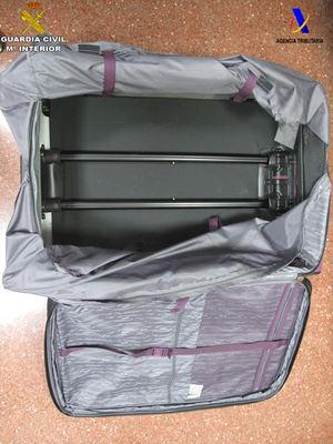 Detenida una pasajera en el aeropuerto por llevar 8 kilos de heroína oculta en su maleta