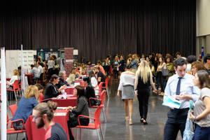 Neinver re�ne a m�s de 400 candidatos en el Foro de Empleo para el nuevo Viladecans The Style Outlets