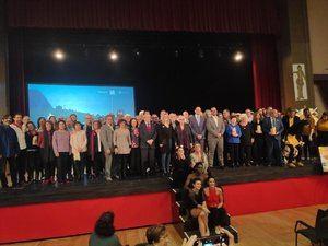 Foto de familia de los X Premios de Reconocimiento Cultural del Baix Llobregat.