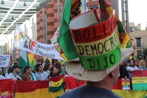Alrededor de 500 personas protestan contra el presidente de Bolivia