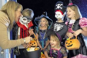 """El covid-19 roba a los niños el """"truco o trato"""" de la noche de Halloween"""