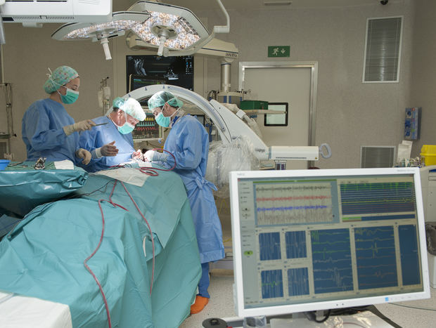 Los quirófanos del Hospital de Bellvitge operarán los sábados para reducir las listas de espera