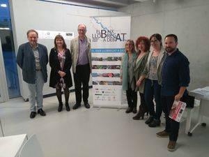 Periodistas del Baix constatan las dificultades para crear un medio comarcal