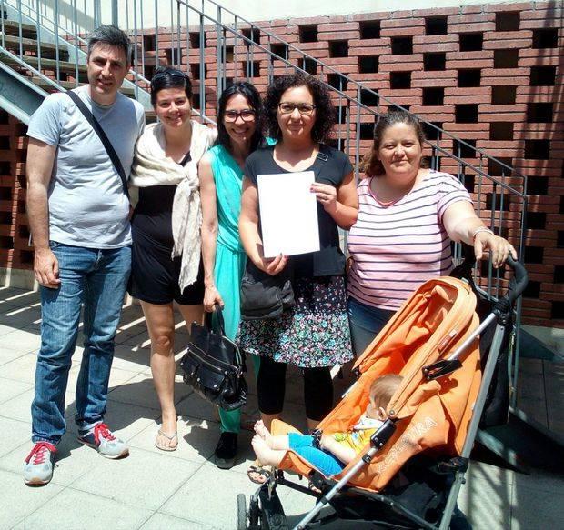 L'AMPA de l'escola Sant Martí i la Comissió popular CEM de Torrelles porten la lluita de la reubicació de l'antena de Vodafone al Síndic de Greuges