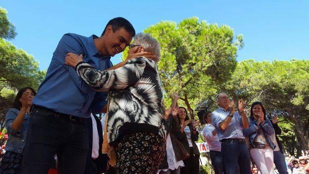 """La Fiesta de la Rosa del PSC traslada, en Gavà, el """"no es no"""" de Rajoy al """"referéndum ilegal"""""""