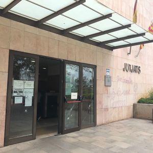 Ataque vandálico a los juzgados de Gavà