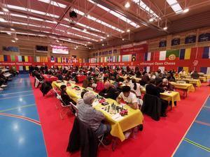 Primeras sorpresas en el arranque de El Llobregat Open Chess: los grandes también sufren