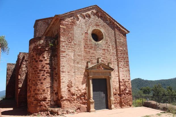La iglesia románica de Santa María es el epicentro de la fiesta.