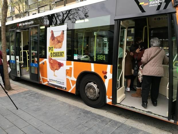 Sant Boi presenta la campaña 'Sant Boi es diversa', un autobús contra la homofobia
