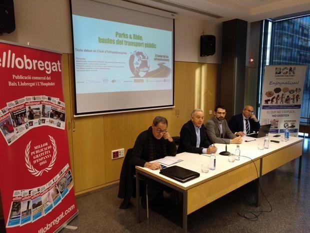 Los ponentes de la mesa, de izquierda a derecha: Pere Macías, Antoni Poveda, Ricard Riol y Juan Carlos Valero.