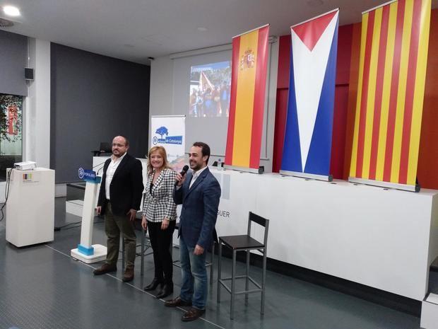 El líder del PP en Cataluña presenta a las candidatas del partido en Sant Feliu y Sant Boi