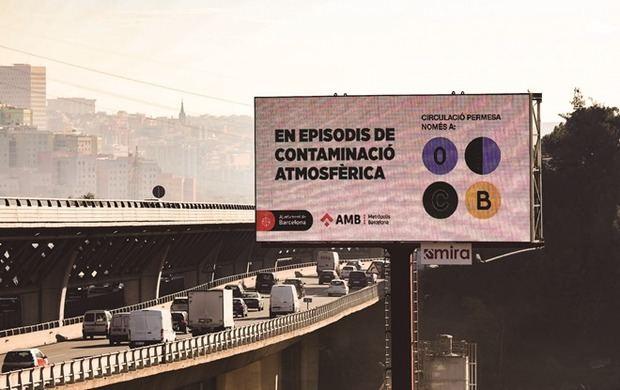 El AMB hace balance de la Zona de Bajas Emisiones: 36.000 coches contaminantes menos