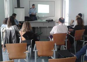 Mossos d'Esquadra de Viladecans donen una xerrada als responsables dels hotels davant l'imminent MWC